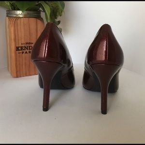Rampage Shoes - Rampage New Metallic Burgundy Classic Pumps